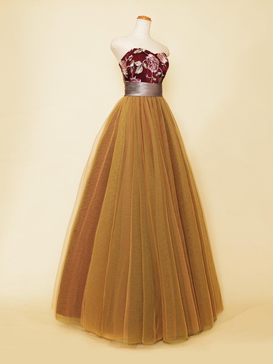 オレンジベージュスカート×ワインレッドフラワーバストデザインのボリュームロングドレス