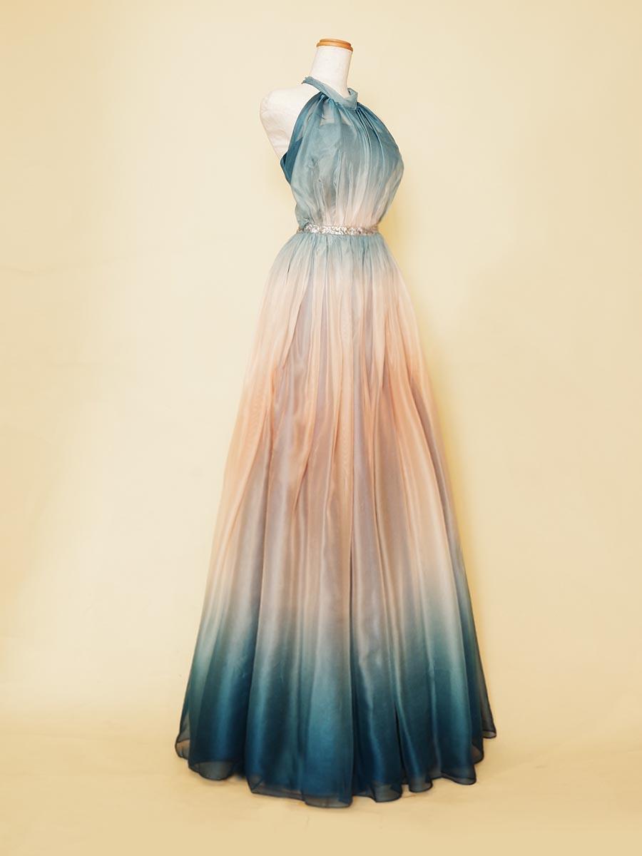 グラデーションプリント生地を使用したファッショナブルなホルターネックステージドレス
