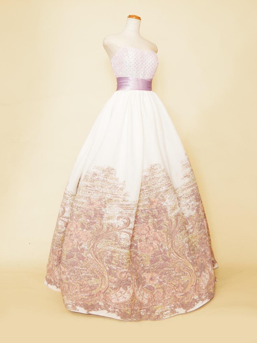 ライトパープルを基調にしたグラデーションデザインスカートが可愛らしいプリンセスラインステージドレス