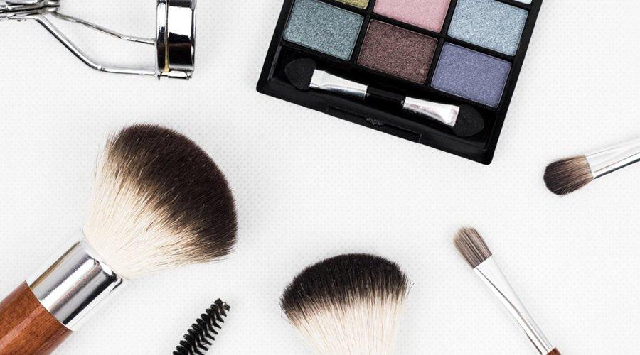ドレスルームアミが紹介する!演奏会でのメイクやお化粧のアドバイス