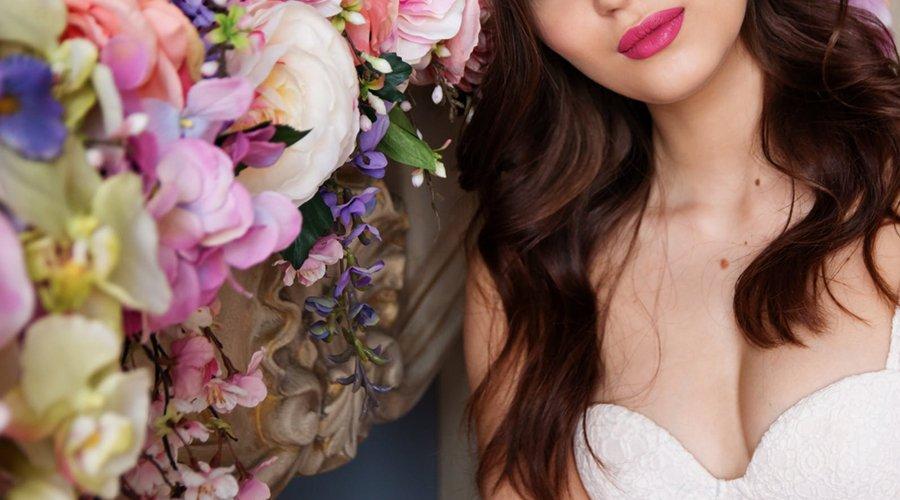 結婚式のウェディングドレスにも使える!ドレスルームアミの格安カラードレス