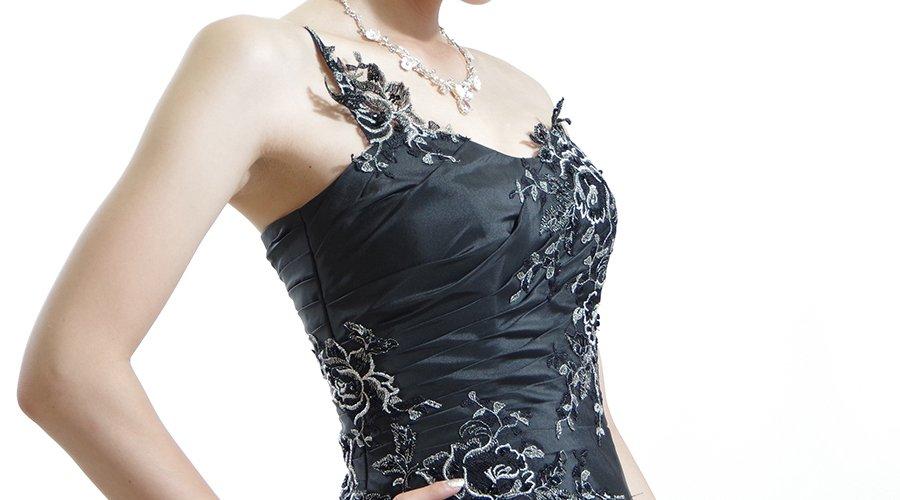 黒のカラードレスって結婚式やパーティーシーンにあり?