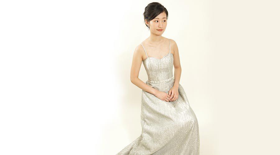 シャンソン歌手のドレスや衣装の選び方