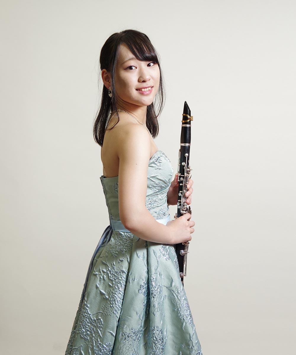 クラリネット奏者のお客様のドライフラワーを使った宣材写真