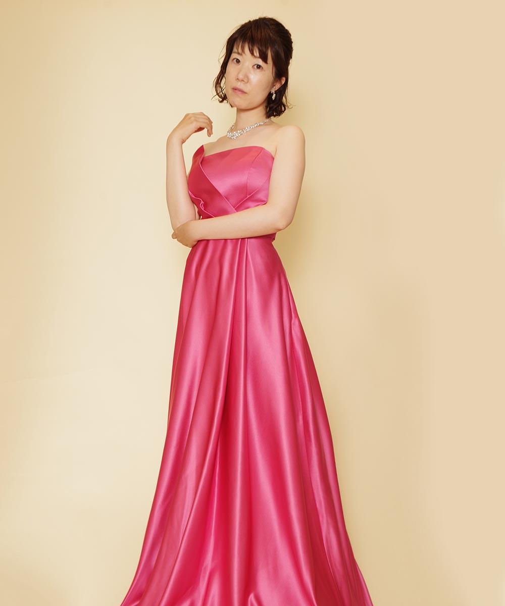 演奏会オーディションに出演される予定のピンクドレスをレンタルされた音楽家のお客様のお写真