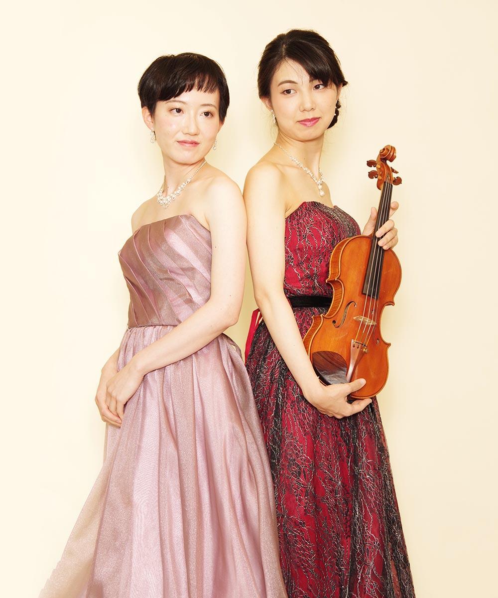 仲良し2人組のバイオリン奏者の方の宣材写真撮影